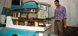 CNC Wirecut Machine for Precise Shaping & Manufacturing of Dies